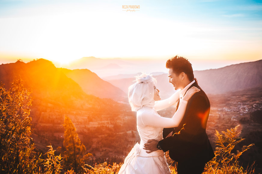 Bring Me to Top of the World (Bromo Pre-Wedding Destination)
